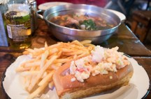 Lobster sandwich & spicy seafood mix soup