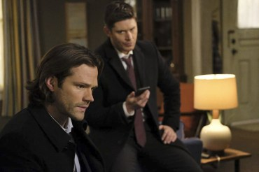 "Supernatural --""Somewhere Between Heaven and Hell""-- SN1215b_0083.jpg -- Pictured (L-R): Jared Padalecki as Sam and Jensen Ackles as Dean -- Photo: Bettina Strauss/The CW -- © 2017 The CW Network, LLC. All Rights Reserved"