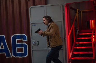 """Supernatural --""""Who We Are"""" -- SN1222b_0003.jpg -- Pictured: Jared Padalecki as Sam -- Photo: Diyah Pera/The CW -- © 2017 The CW Network, LLC. All Rights Reserved"""