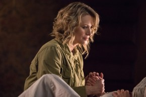 """Supernatural --""""All Along the Watchtower"""" -- SN1223c_0066 .jpg -- Pictured: Samantha Smith as Mary Winchester -- Photo: Dean Buscher/The CW -- © 2017 The CW Network, LLC. All Rights Reserved"""