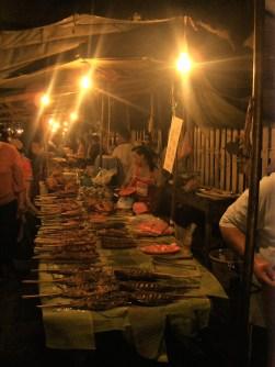 Luang Prabang Night Market BBQ - Los Mejores Templos que ver en Luang Prabang en 2 días