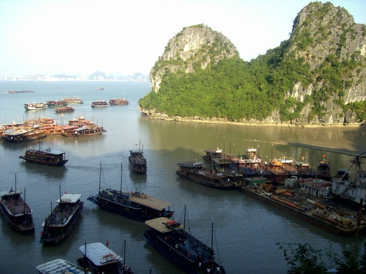 PIC02532 1 - Bahía de Halong, tour de 2 días en barco con pros y contras