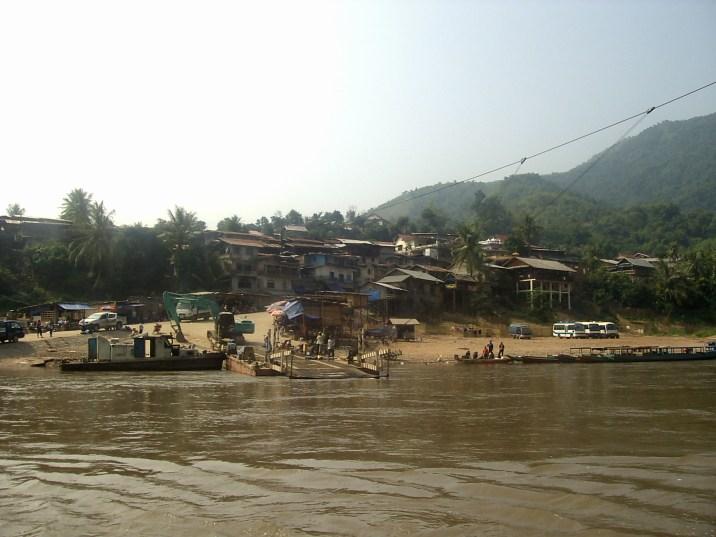 PIC02802 - Frontera Vietnam - Laos: cruzando sin dinero