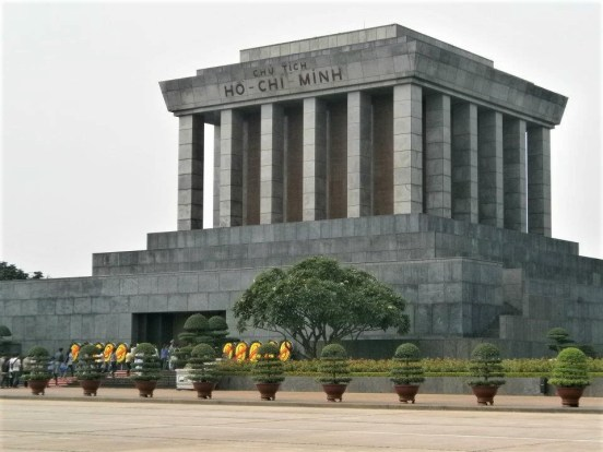 Vietnam Mausoleo Ho Chi Minh 500x375 - Old Quarter of Hanoi: Top 5 places to visit