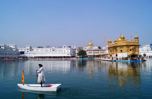 Amristar Templo Dorado 19 500x327 - Golden Temple of Amritsar & the Sikh: history & culture
