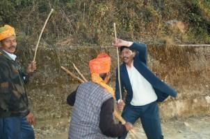 Boda india Pelea con palos - Boda india: bailes, ceremonias y costumbres