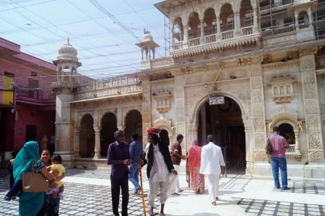 Bikaner - Fachada Templo de las Ratas