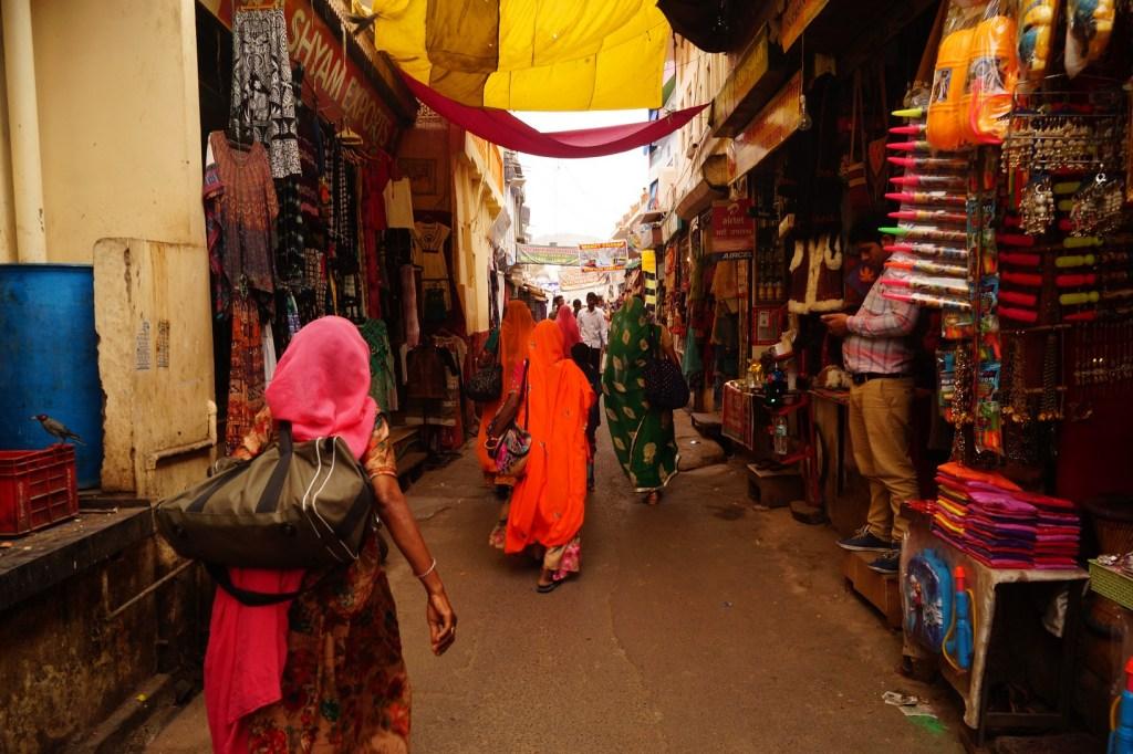Pushkar Bazar de la calle principal 1024x682 - Visita a Pushkar: los 5 mejores lugares que ver