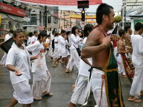 Tailandia-Phuket-Festival-vegetariano