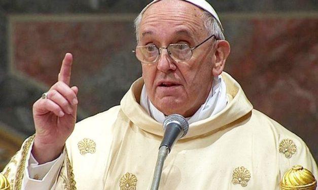 Papa Francisco defende movimento sindical e critica reformas