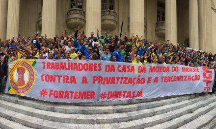 Manifestação em frente a ALERJ