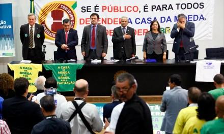 Oposição e sindicalistas anunciam mobilização contra pacote de privatizações do governo Temer