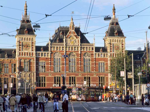 amsterdam city centre train station