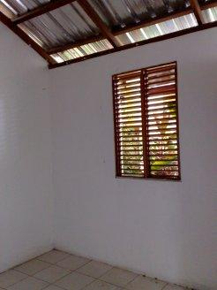 Innen mit Holzfenstern