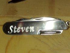 Gravur auf Taschenmesser