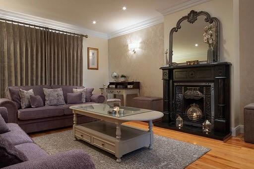 Sitting room design with william morris rug