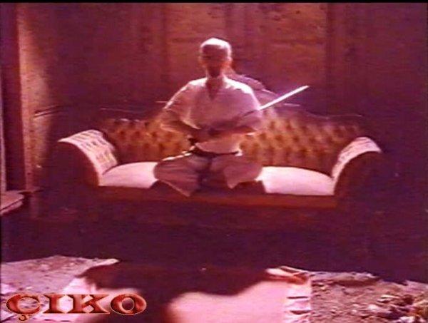 Aç Kartallar filminden bir sahne