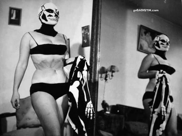 Kayıp filmlerimizden Dişi Kilink'ten günümüze kalan bir sahne - Gülgün Erdem