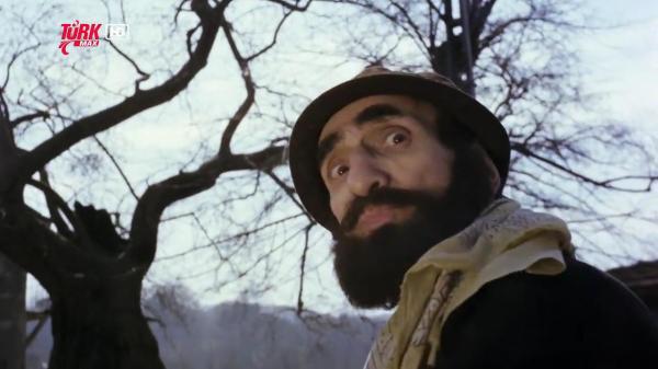 Üçkağıtçı (1981) BÜYÜK ÇINAR AĞACI