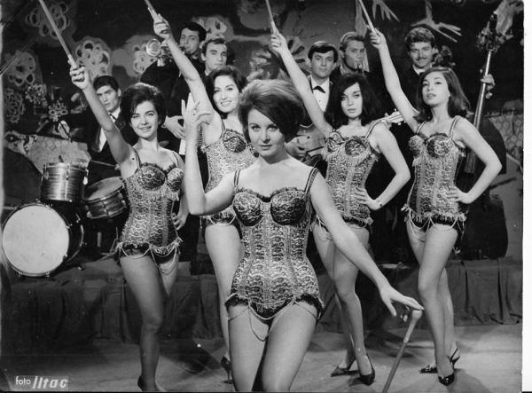 BEŞ ŞEKER KIZ (1964)