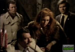 Gökay Gelgeç intikam sinemamızın en önemli örnekleirnden birisi olan Cüneyt Arkın'ın  1975 yılı yapımı İnsan Avcısı filmini masaya yatırdı
