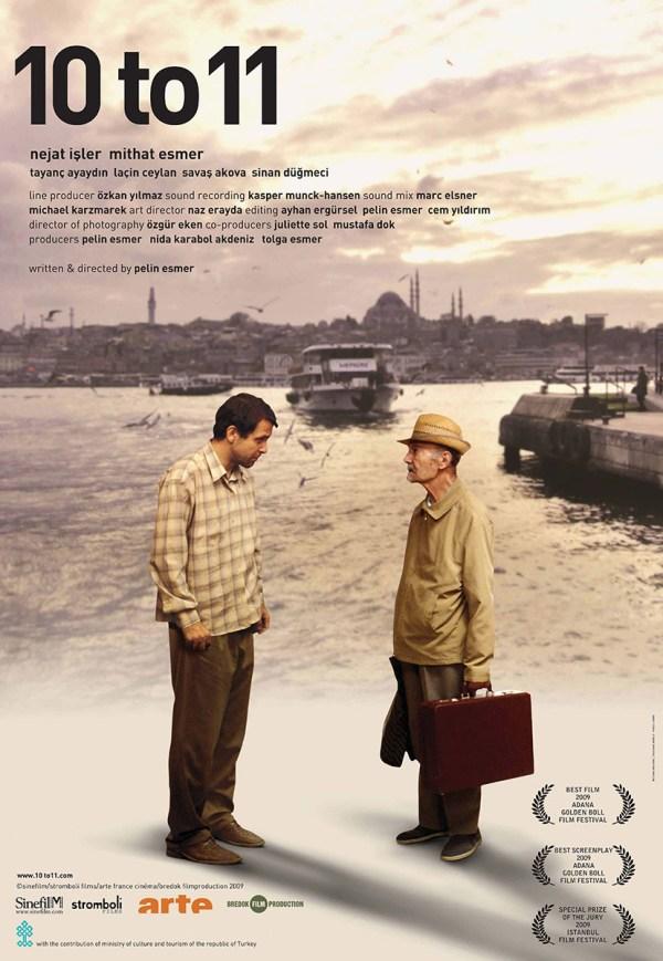 11'e 10 Kala filmi posteri. Pelin Esmer'in ilk uzun metraj filmi, Koleksiyoncu belgeselinden doğan kurmaca. Nejat İşler ile Mithat Esmer.