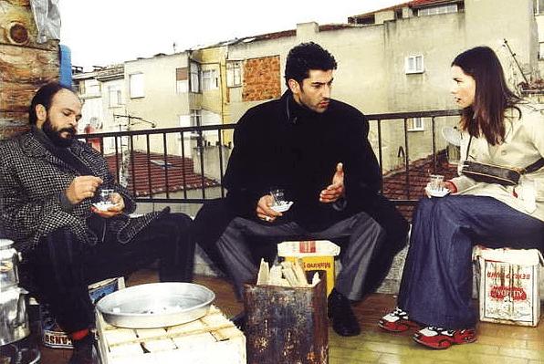 X-Oğlu yazı dizimizde Cemal Berktaş  Deli Yürk dizisinde Kenan İmirzalıoğlu'nun canlandırdığı Yusuf Miroğlu karakterini yazdı