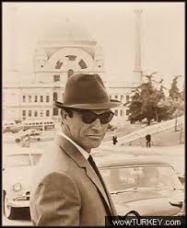Film severlerin gönlünde taht kuran Sir Thomas Sean Connery in Istanbul'dan bazı fotoğraflarıyla sizleri başbaşa bırakıyoruz