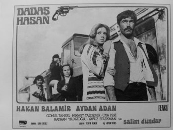 Dadaş Hasan, çizgi roman uyarlaması olarak sinemanın olmazsa olmazlarını yerine getiremeyen vasat bir film olduğunu düşünüyorum.