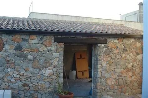contoh desain rumah minimalis modern dgn batu alam yg