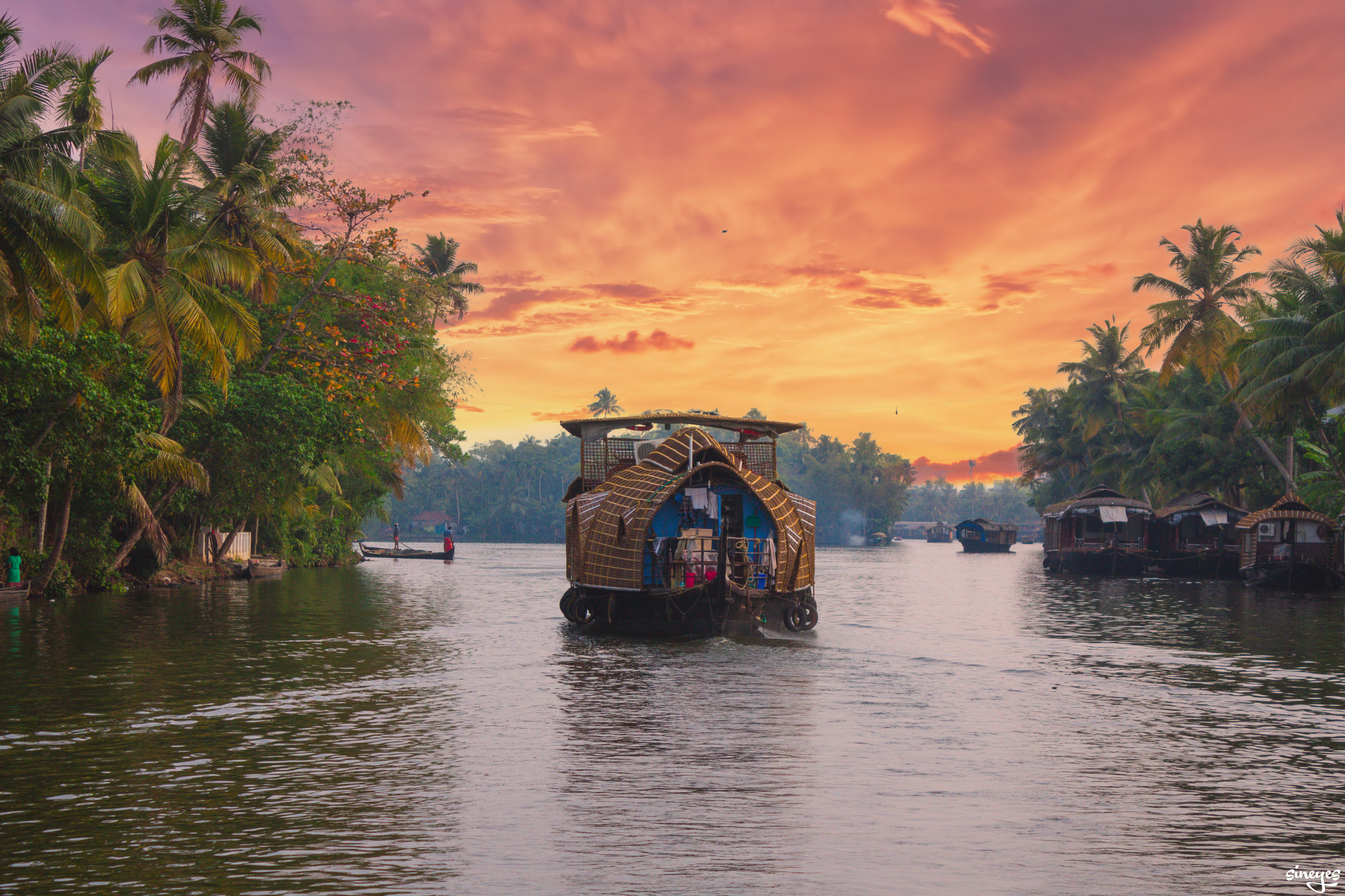 Kerala Sunset - Alleppey, Inde by sineyes