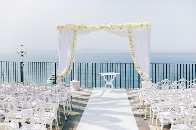 Ceremony overlooking the sea in Sorrento