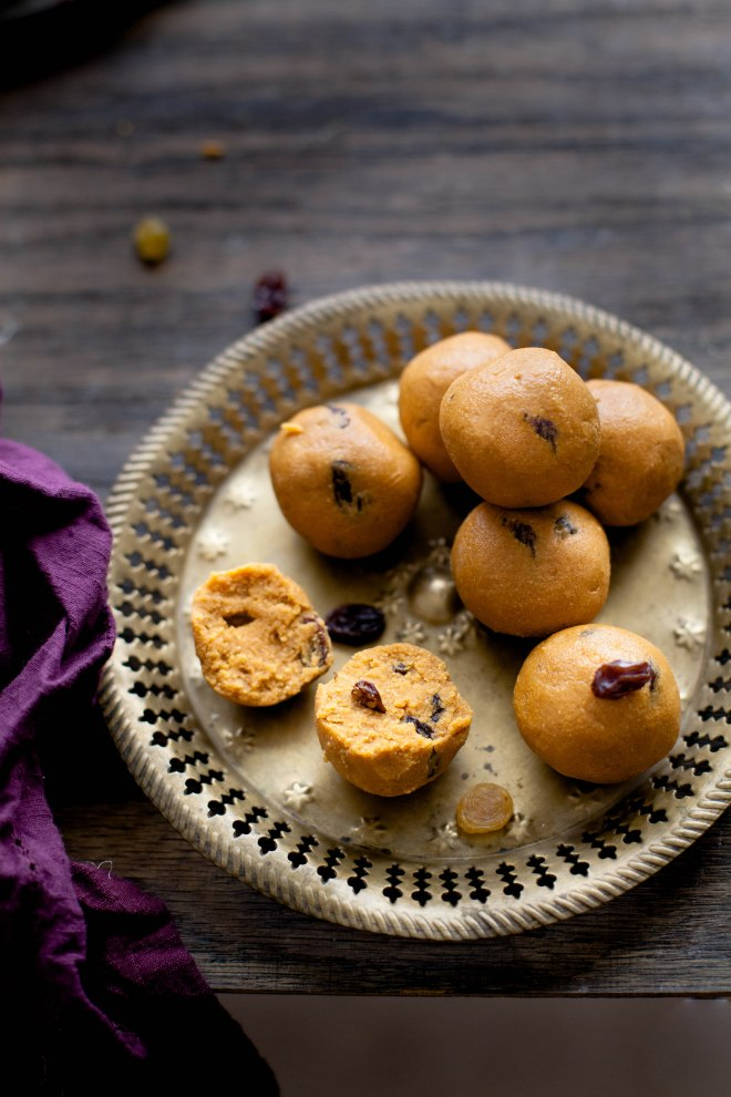 Sinfully Spicy - Besan Ladoo (Glutenfree Chickpea Flour Confection) #indian #recipe