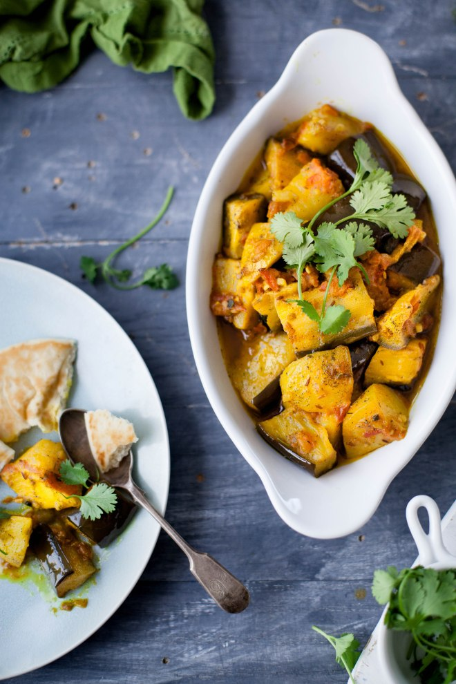 Sinfully Spicy - Baingan Aloo, Eggplant & Potatoes Stir fry #indian