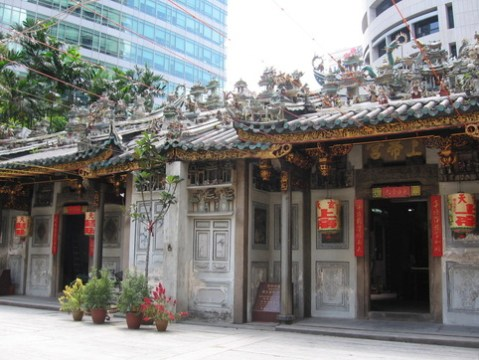 Yueh Hai Ching Temple - A Guide to Colonial Architecture in Singapore