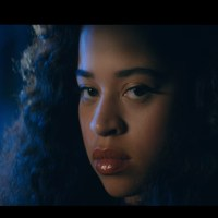 "Ella Mai Delivers Sexy & Sensual Video For ""Trip"""