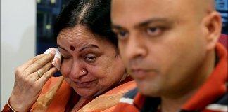 shyam-dhody-family-tears-wide