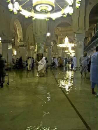 Video Hujan Es dan Banjir di Mekah 29 April 2016 1