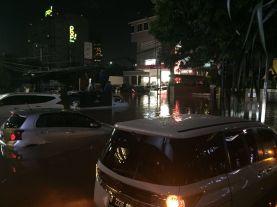 Jakarta Kebanjiran, di Riau Api Ngamuk 3