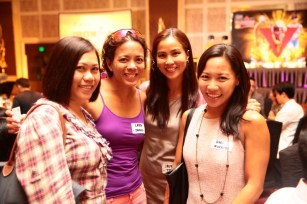 The sexy running ladies, Vimz Mendoza a.k.a. Kulitrunner, Ms. Lara Parpan, editor-in-chief-Women's Health Phils., Ms. Jaymie Pizarro of the The Bull Runner magazine, and triathlete, Coach Annie De Leon.