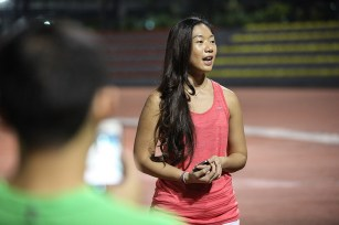 Nike Philippines' Field Marketing Executive Ally Lim, introduces the new Nike Air Zoom Structure 19 to running bloggers.