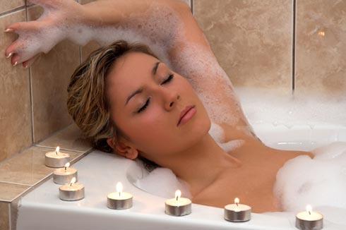 wellness badewanne teelichter
