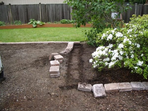 How to set paver edging