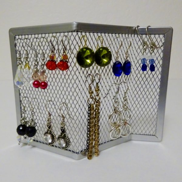 How to store dangly earrings
