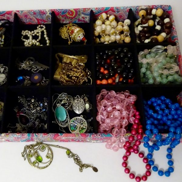 How to store jewelry