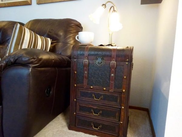 Steamer trunk storage table