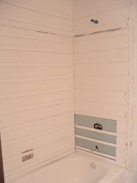 Wall prep for tub surround