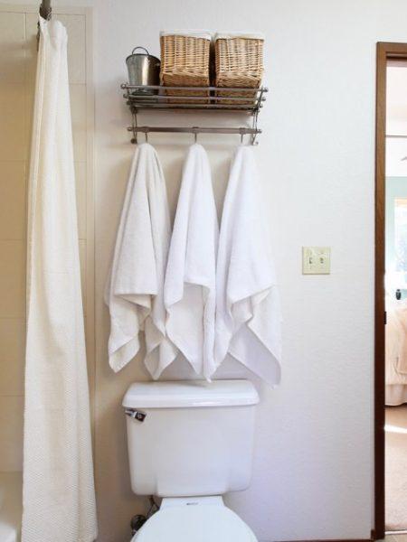 Towel rack with storage