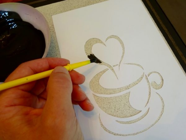 How to paint a stencil