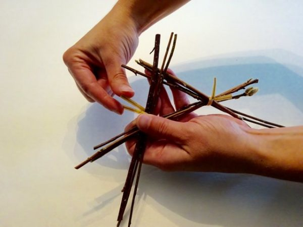 Making a star from twigs